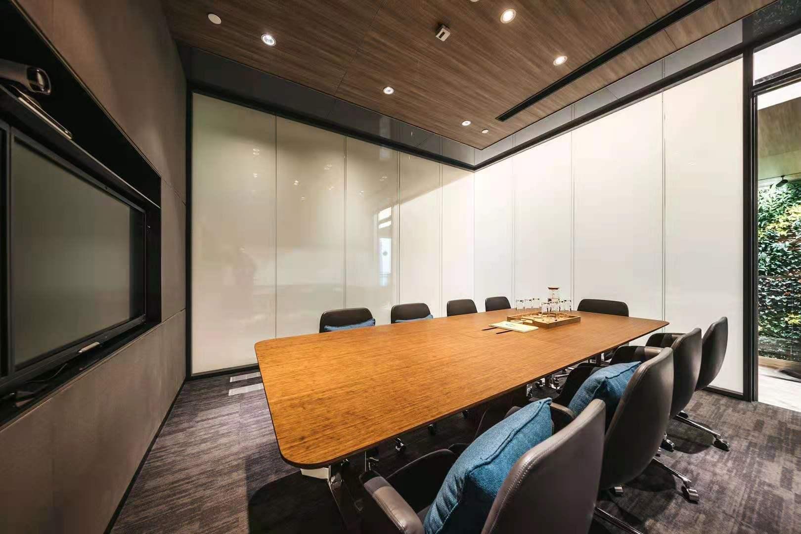 金砖大厦Distrii办伴会议室、.jpg